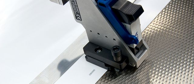 Digital printing - small - REA JET HR print head marks offset sheet with ongoing serial number